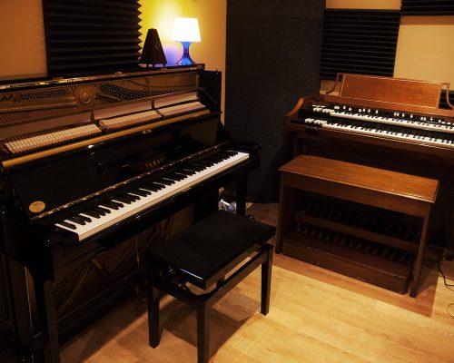 Piano Y Hammond