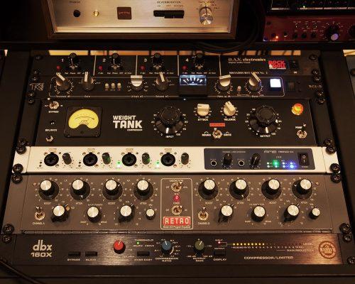 DAV BG2, TK-Audio BC1-S, Weight Tank, RME Fireface 802, Retro 2A3, DBX 160x