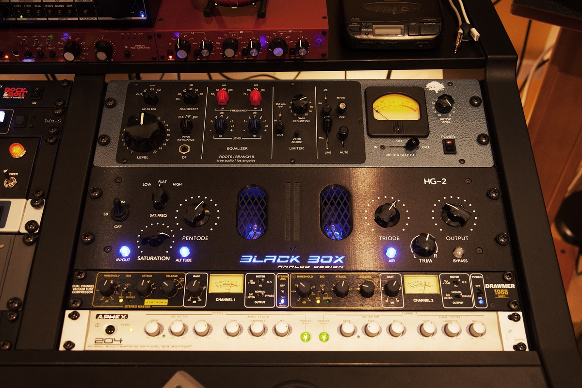 Tree Audio Branch II, Black Box HG-2, Drawmer 1968, Aphex 204